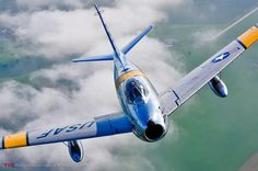 All These Jaw-Dropping Airplane Images Were Taken By This Flying Photog Military Jets, Military Aircraft, Fighter Aircraft, Fighter Jets, Airplane History, Sabre Jet, Air Festival, Vintage Airplanes, Nose Art