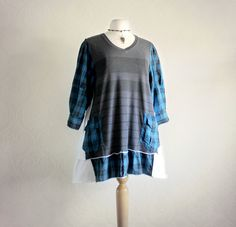 Gray VNeck Shirt Plus Size Top 1X Blue door BrokenGhostClothing