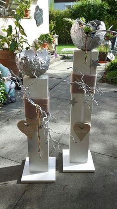 Holz Stehlen - Garten - My list of the most creative garden decorations Book Crafts, Diy And Crafts, Craft Books, Children's Books, Mosses Basket, Wooden Posts, Creation Deco, Deco Floral, Handmade Books