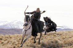 While Legolas of Mirkwood may be Elven, both J. Tolkien and director Peter Jackson are all only human, so we can't expect him to be flawless. Tauriel, Legolas And Thranduil, Aragorn, Der Hobbit Film, O Hobbit, Sherlock, The Two Towers, Elfa, Middle Earth