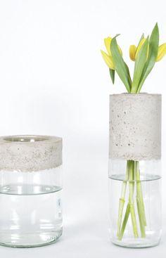 Créez un vase en 1 heure - DIY Projekte Cement Art, Vase Design, Concrete Furniture, Concrete Crafts, Wooden Vase, Vase Shapes, Concrete Design, Vases Decor, Glass Vase