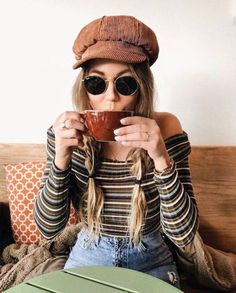 20 Edgy Fall Street Style 2018 Outfits To Copy, Winter Outfits, Casual Fall Fashion Trends & Outfits 2018 Autumn Fashion 2018, Autumn Fashion Casual, Fall Fashion Trends, 70s Fashion, Look Fashion, Fashion Models, Bohemian Fashion, Vintage Fall Fashion, Spring Fashion