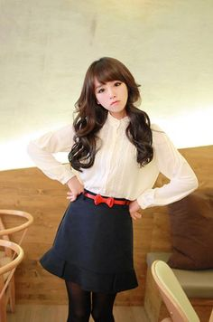 Kim Shin Yeong's business casual outfit