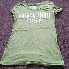 Abercrombie t shirt Green 100% cotton Tops Tees - Short Sleeve
