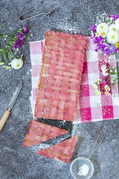 Rhabarber-Puddingkuchen mit Erdbeer Mousse