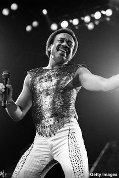 The founder of Earth Wind & Fire, Maurice White, has passed away @ 74