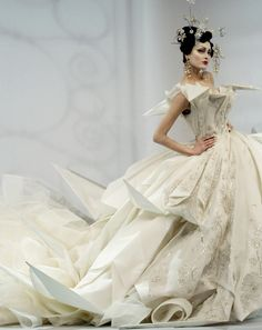 Origami Princess: Shalom Harlow at Christian Dior haute couture s/s 2007 by John Galliano