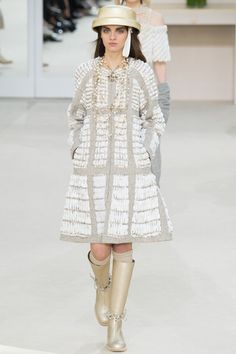 Chanel AUTUMN/WINTER 2016-17 READY-TO-WEAR