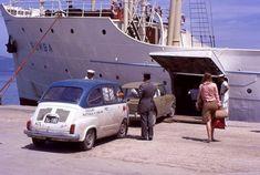 40 φωτογραφίες από μια Ελλάδα του πριν με πολύ περισσότερο χρώμα από σήμερα - Fanpage Creta Greece, Greece History, Car Jokes, Crete, Old Photos, Transportation, Beautiful Places, The Past, Pictures