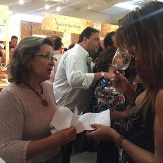 Sempre a bombar... Vinhos e receitas da Quinta da Casa Amarela na Feira Vinhos de Portugal #sempreabombar #quintadacasaamarela #casashopping #riodejaneiro #receitasdacasaamarela #vinicolaboutique #douro #portugal by quintadacasaamarela