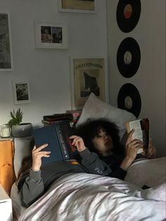 Couple Aesthetic, Book Aesthetic, Aesthetic Grunge, Urbane Fotografie, You Are My Moon, Frank Ocean, Marceline, My Vibe, Teenage Dream