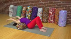 In this free online yoga tutorial, YogaVibes teacher Jennifer Beyt Coffin teaches you how to use a bolster to support yoga backbends and core work. Core Fusion, Yoga Videos For Beginners, Yoga Bolster, Core Work, Online Yoga, Pilates, Meditation, Teaching, Confidence