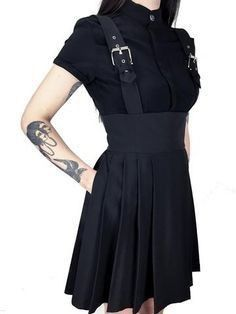 Take a look at the best what shoes to wear with black dress in the photos below and get ideas for your outfits! Alternative Mode, Alternative Fashion, Dark Fashion, Gothic Fashion, Street Fashion, Looks Style, My Style, Mode Sombre, Gothic Mode