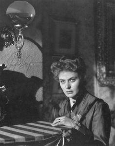 Ingrid Bergman in Gaslight directed by George Cukor, 1944
