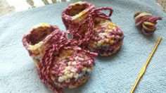 Lovely Little Feet booties for Melissa using hand-dyed yarn from Pui.