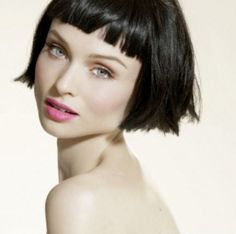 Sophie Ellis-Bextor. Stunning. Who else but a Bright Winter can work this lip color?