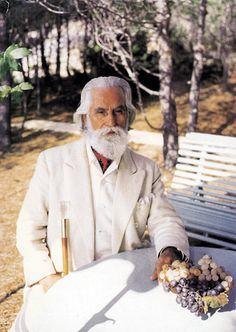 Omraam Mikhael Aivanhov – Adevaratii dusmani sunt in noi Gaia, Mahavatar Babaji, Spiritual Teachers, Mystic, Bulgaria, Relaxation, Perception, Role Models, Evolution