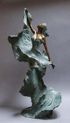 made by: Nathalie SEGUIN (from France) - Bronze sculpture Sculptures Céramiques, Art Sculpture, Abstract Sculpture, Sculpture Ideas, Cardboard Sculpture, Angel Sculpture, Roman Sculpture, Ceramic Sculptures, Art Nouveau