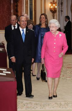 The President of the United Mexican States Felipe Calderon and his wife senora Margarita Zavala accompanied by Queen Elizabeth II and Prince Philip, Duke of Edinburgh visiting an exhibition of. Get premium, high resolution news photos at Getty Images Princess Beatrice, Princess Anne, Prince Philip, Prince William, The Royal Collection, Her Majesty The Queen, Wearing A Hat, Save The Queen, Photo L