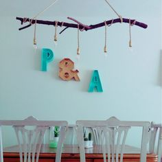 Lámpara de techo handmade realizada con rama de ciruelo