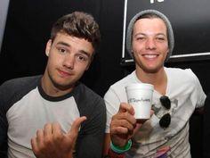 One Direction en entrevista con la BBC Studios