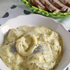 Krok 4 - Śledzie w sosie musztardowym Hummus, Salmon, Food And Drink, Fish, Chicken, Meat, Ethnic Recipes, Rezepte, Atlantic Salmon