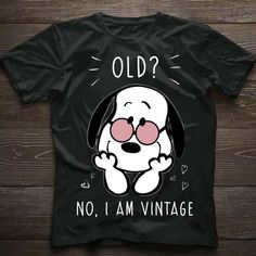 Weisse Haare? Das sind Elfenhaare (das bleibt jetzt so, kein färben, gerben oder sonstwie verderben, meine Natur bleibt)! Peanuts Cartoon, Peanuts Snoopy, Snoopy Love, Snoopy And Woodstock, Peanuts T Shirts, Snoopy Quotes, Charlie Brown And Snoopy, Funny Captions, Vintage Cartoon