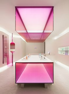 Image 3 of 15 from gallery of XYZ Formula / WGNB. Photograph by Yongjoon Choi Retail Store Design, Retail Shop, Commercial Design, Commercial Interiors, Retail Interior, Interior And Exterior, Displays, Retail Space, Shop Interiors