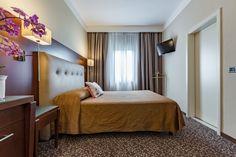 Scopri l'Hotel Castello Sara a Modena, moderno e lussuoso hotel situato in una villa storica.