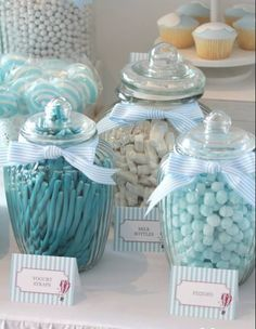 Do's And Don'ts of Baby Shower Etiquette boy's hot air ballon themed christening candy jars dessert Baby Shower Azul, Deco Baby Shower, Bebe Shower, Fiesta Baby Shower, Baby Shower Favors, Baby Shower Parties, Baby Shower Themes, Baby Boy Shower, Baby Shower Decorations