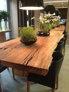 Mesa by Monica Cintra Wooden Dining Tables, Dining Room Table, Dining Area, Wood Table Design, Dining Table Design, Küchen Design, House Design, Esstisch Design, Woodworking Furniture Plans