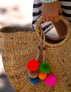 Fun Beach bag DIY pom-poms by Fashion-Isha