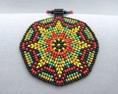 Semilla con cuentas collar de geometría por HANWImedicineArt Beaded Flowers Patterns, Bead Embroidery Patterns, Beaded Embroidery, Sun Mandala, Flower Mandala, Mandala Art, Mandala Pattern, Seed Bead Necklace, Seed Beads