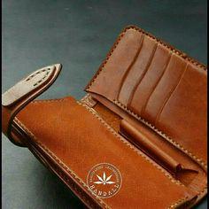 #bespoke #midwallet #wallet #leathercraft #leathergoods #handsewn #handcut #handmade #handall by handall.co #tailrs