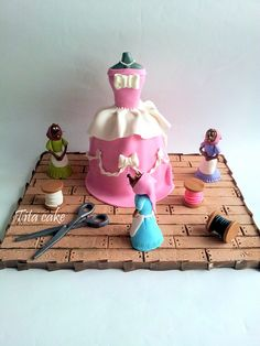 Cinderella cake by hrisiv, via Flickr