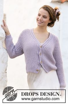 Knitted jacket in DROPS Alpaca and DROPS Kid-Silk. The piece is worked top down with English rib, raglan and v-neck. Sweater Knitting Patterns, Knitting Stitches, Knit Patterns, Free Knitting, Crochet Diagram, Drops Design, Alpacas, Knit Jacket, Chain Stitch