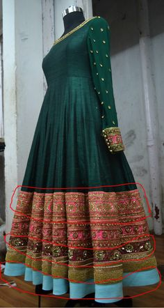 Far view of the top border Indian Fashion Dresses, Pakistani Dresses Casual, Indian Gowns Dresses, Pakistani Dress Design, Indian Outfits, Fashion Outfits, Girls Dresses, Frocks And Gowns, Indian Wedding Gowns