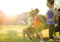 Should you stretch before running? Find out in this Carilion Clinic Outdoor Workouts, Easy Workouts, Fitness En Plein Air, Bicycle Kick, Sport Nutrition, Running Injuries, Low Impact Workout, Leg Lifts, Workout Programs