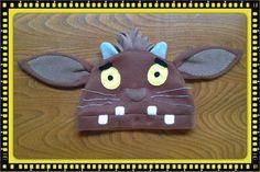 Gruffalo's child hat :) Gruffalo Costume, Gruffalo's Child, Kids Hats, Holidays Halloween, Knit Crochet, Coin Purse, Felt, Bonnets, Costumes