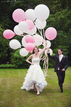 ct-wedding-photographer-victoria-souza-photography-lord-thompson-manor-thomps/ - The world's most private search engine Balloons Photography, Photo Balloons, Pink Balloons, Wedding Photography Poses, Wedding Portraits, Large Balloons, Pre Wedding Poses, Pre Wedding Photoshoot, Wedding Pictures