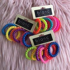 Blanc Crease-free Hair Coils (Strong Hold, Multi-c Coil Hair Ties, Hair Tie Bracelet, Vsco, Crimped Hair, Hair Supplies, Accesorios Casual, Ponytail Holders, Free Hair, Scrunchies