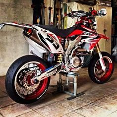 Clean CRF450R supermoto