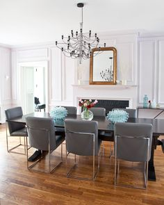 The trim and walls in the dining room were painted the same soft shade of lilac. - Traditional Home ® / Photo: Courtney Apple / Design: Mona Ross Berman Dining Room Bar, Dining Rooms, Lilac Walls, White Walls, Dinner Room, Painting Trim, Room Setup, Indoor Outdoor Living, Rustic Table