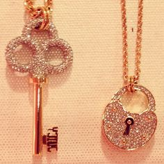 (Current obsession: Skeleton key jewelry) Great best friends gift for me and my babe Price Price Price Kathleen Cute Jewelry, Jewelry Box, Jewelery, Jewelry Necklaces, Key Necklace, Jewelry Accessories, Fashion Accessories, Fashion Jewelry, Best Friend Gifts