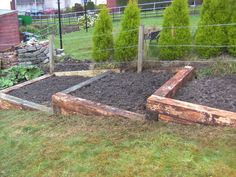 Great Free elevated Raised Garden Beds Strategies Certain, that is an unusual headline. Although of course, as soon as When i first built my own raised garden b. Raised Vegetable Gardens, Veg Garden, Vegetable Garden Design, Garden Beds, Terraced Vegetable Garden, Garden Grass, Garden Shrubs, Terraced Landscaping, Landscaping On A Hill