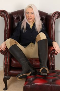 Sexy blonde in breeches and leather riding boots Equestrian Chic, Equestrian Girls, Equestrian Outfits, Horse Riding Boots, Leather Riding Boots, Sexy Leggings Outfit, Sexy Older Women, Pants For Women, Clothes For Women