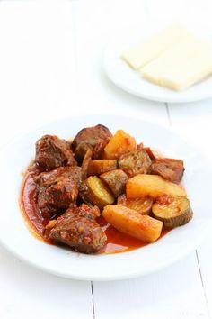 Mosharaki me lahanika - beef stew with summer vegetables