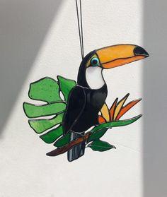 Black Suncatcher Bird Toukan. Nature Ornament Garden. Home | Etsy Wall Hanging Lights, Window Hanging, Tiffany Stained Glass, Stained Glass Art, Decoration, Art Decor, L'art Du Vitrail, Cadeau Parents, Orange House