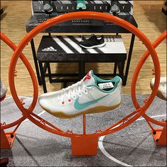 Nike Swoop Makes Basketball Swoosh – Fixtures Close Up Golf Shop, Retail Displays, Nike Basketball, Aesthetic Art, Hoop, Orange, Table, How To Make, Shopping
