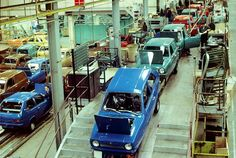The Reliant Rialto production line in Tamworth. Now demolished Tamworth, Production Line, Assembly Line, Commercial Vehicle, Factories, Car Manufacturers, Motor Car, Cars Motorcycles, Trains